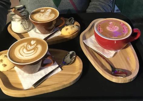 کافه رستوران میامی پلاس