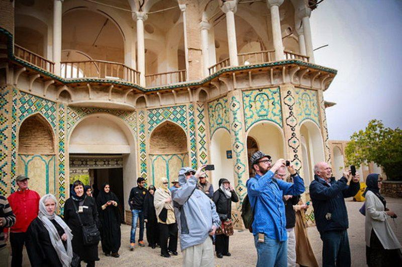 مونسان:گذرنامه گردشگران ورودی به ایران مهر نمی خورد