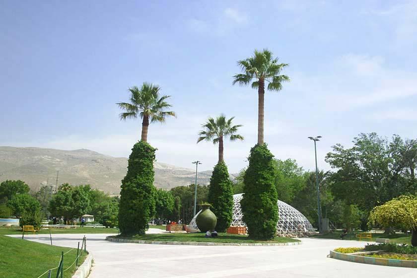 بوستان ولیعصر شیراز