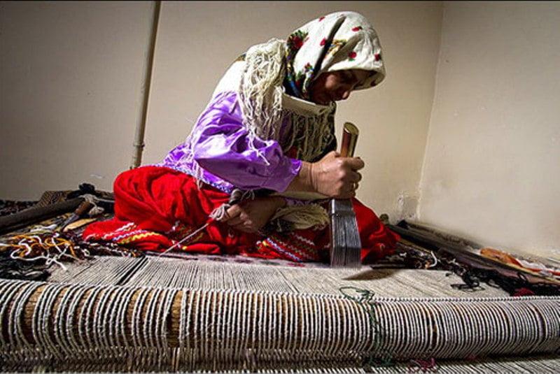 گلیم بافی؛ نشاط بخش زنان و دختران روستا