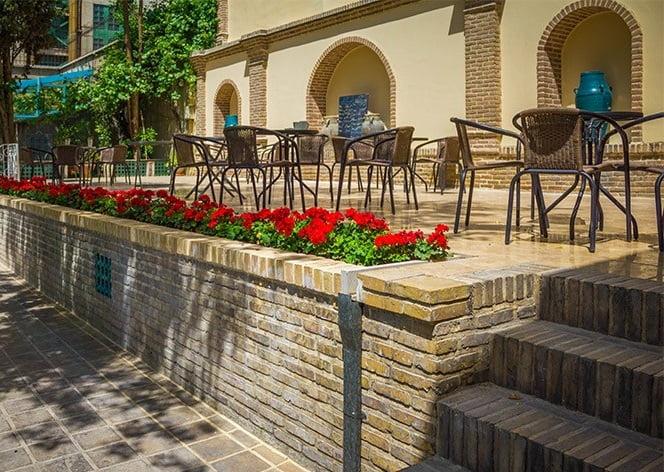 کافه باغ موزه مقدم تهران