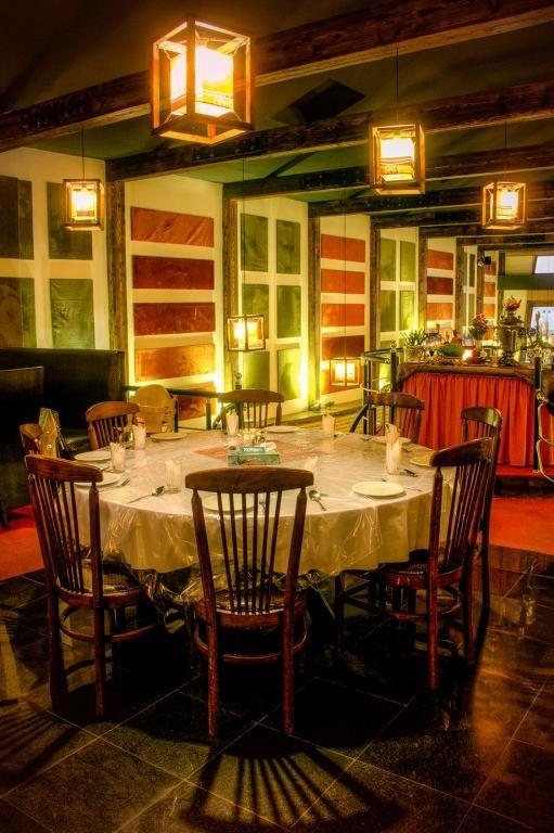 رستوران لاویج نور