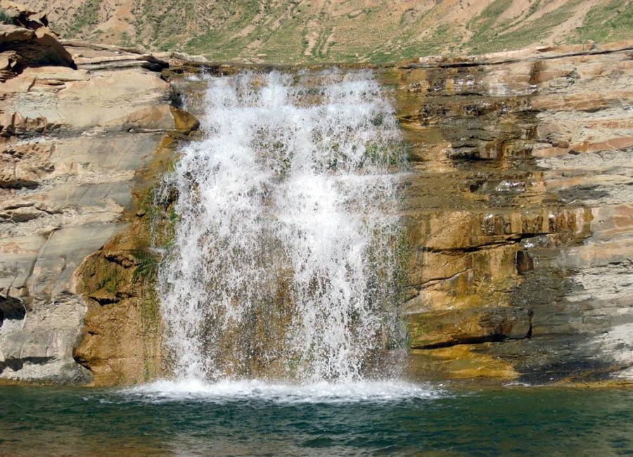 آبشارهای هفت گانه دهلران