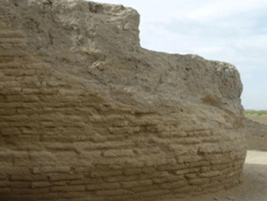 قلعه بختاک شهرستان لیلان و محوطه باستانی قلعه بختاک