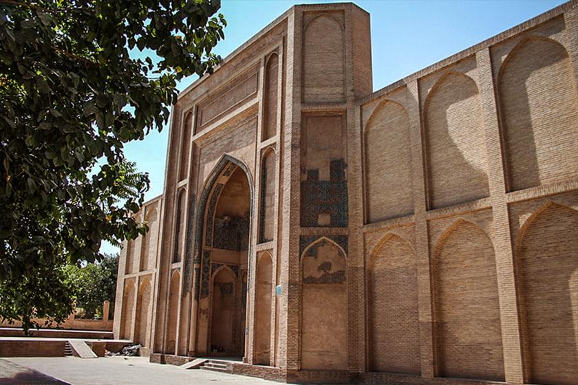 نقش هنر و معماری اسلامی در مسجد جامع ورامين