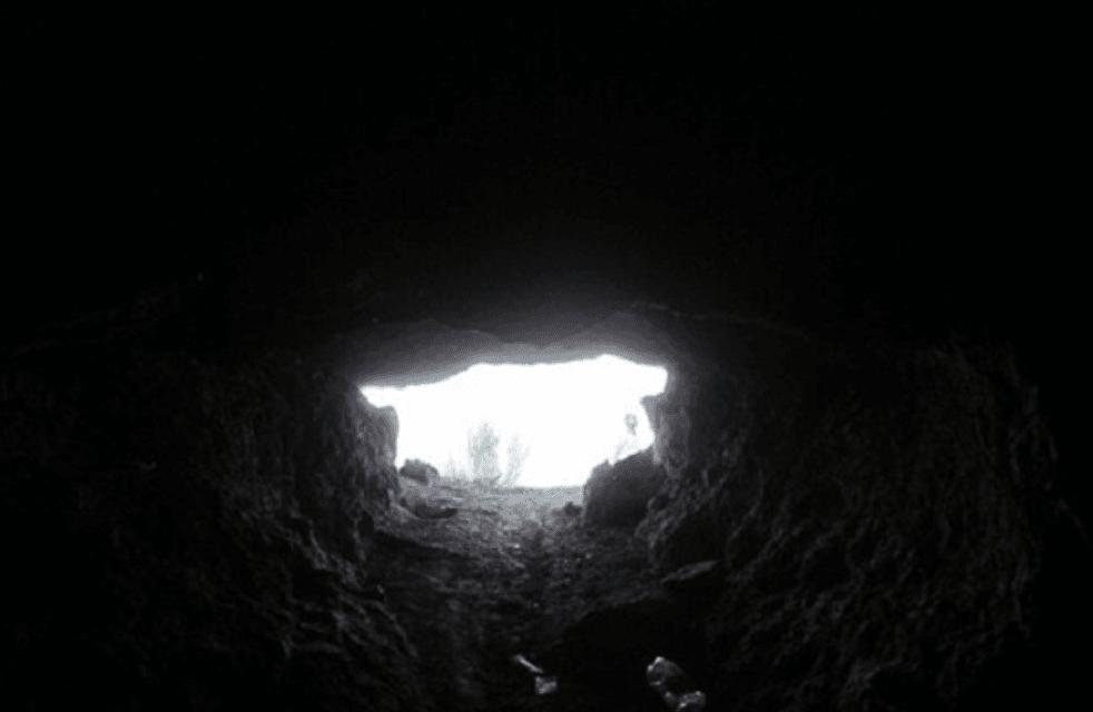 غار مظفر سهلک داراب