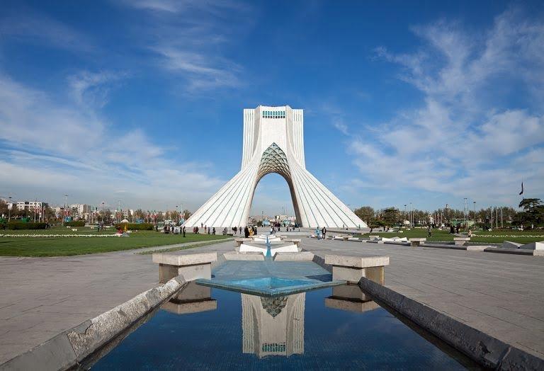خیابان آزادی تهران