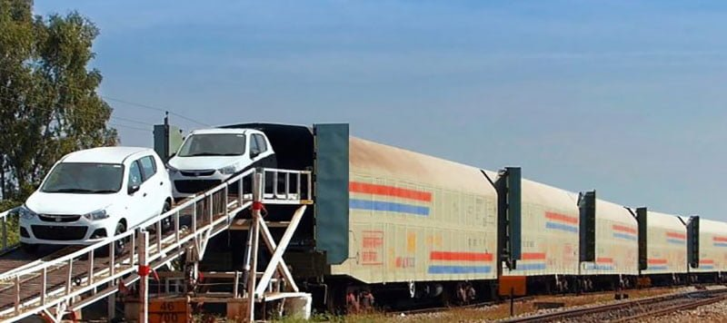 سفر به مشهد با قطار، همراه با خودروی شخصی!