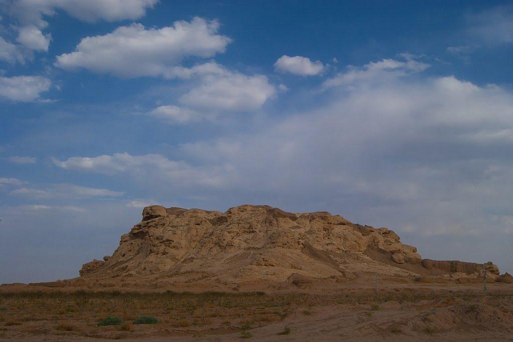 قلعه سنگی سیرجان  قلعه سنگی سیرجان