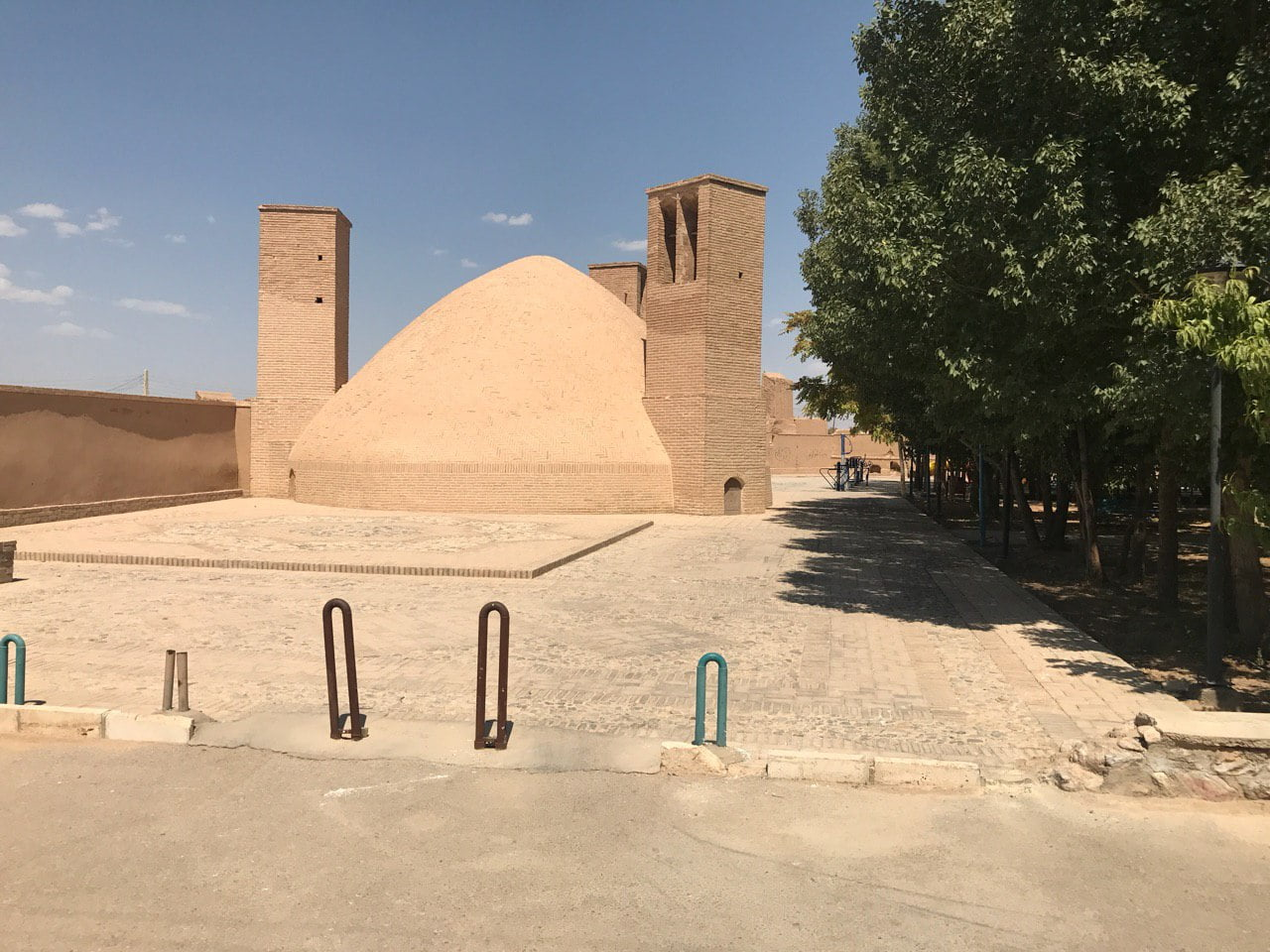 روستای شریف آباد اردکان
