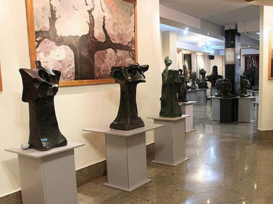 خانه موزه دكتر سندوزی تهران