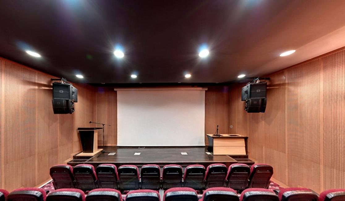 سالن های سینمایی برج میلاد تهران