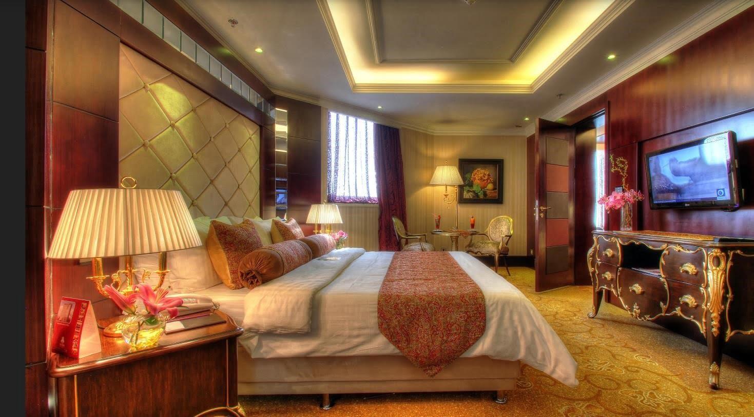 -پارسیان-آزادی-تهران با چند هتل پنج ستاره در تهران آشنا شوید