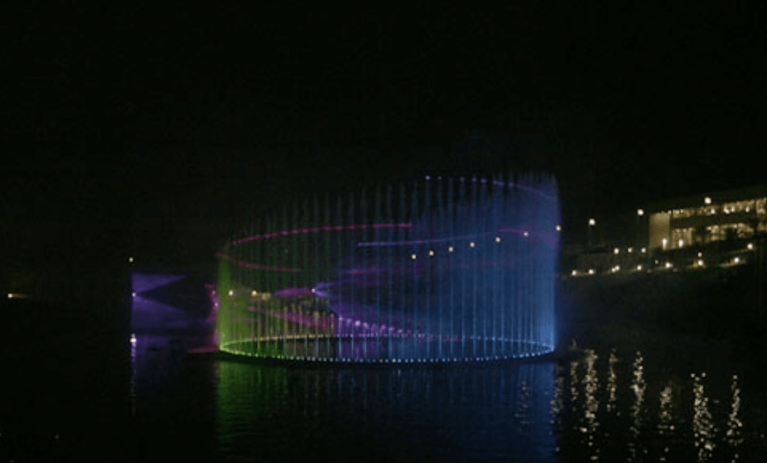 پرده آبی باغ موزه دفاع مقدس تهران