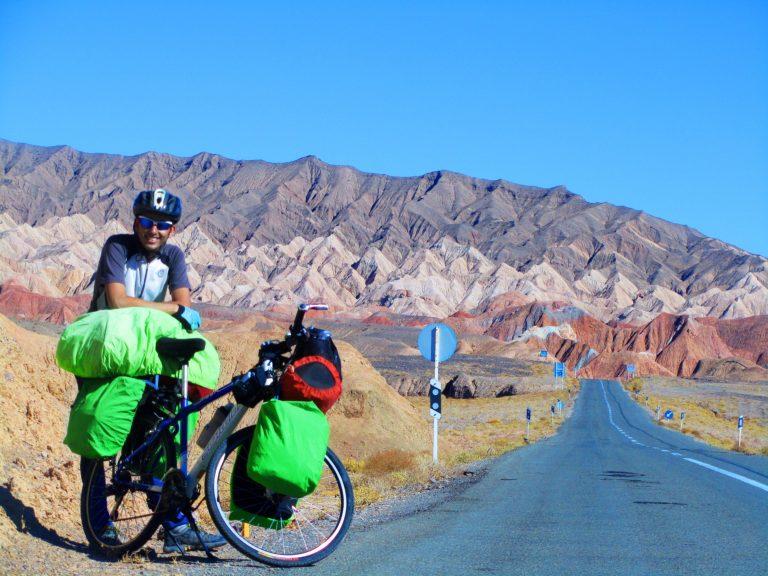 طبیعت گردی با دوچرخه  طبیعت گردی با دوچرخه