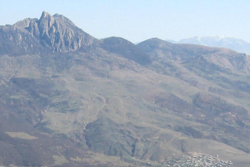 قله شاهدژ ساری
