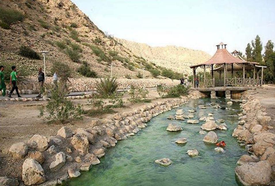 چشمه آبگرم گنو بندرعباس