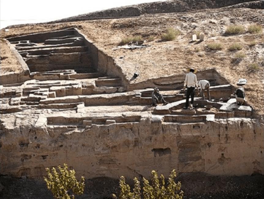 محوطه باستانی تپه قلی درویش قم محوطه باستانی تپه قلی درویش قم