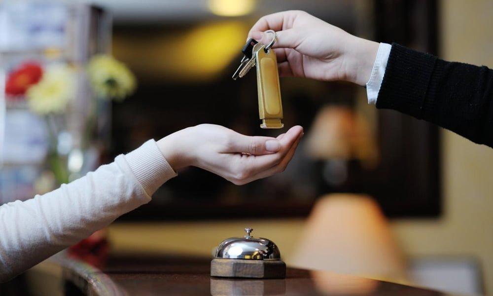چگونه برای سفارت هتل رزرو کنیم؟