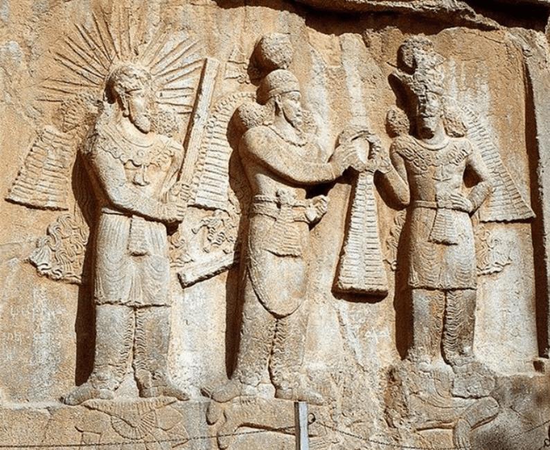 نقشبرجستهٔ تاجگذاری اردشیر دوم کرمانشاه