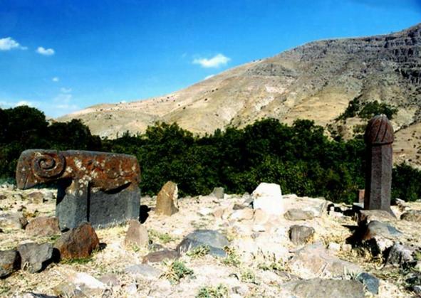 گورستان تاریخی اُنار