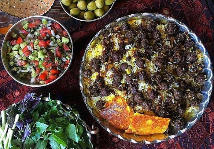 قنبر پلو شیرازی  معرفی بهترین غذاهای ایرانی ( 40 غذای سنتی ایرانی )