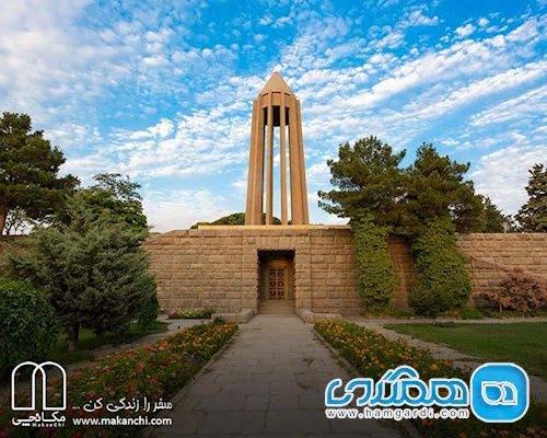 آرامگاه ابن سینا دیدنی های همدان؛ گشت و گذار در پایتخت مادها
