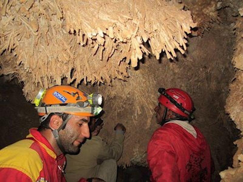 غار پرویز یزد  غار پرویز یزد