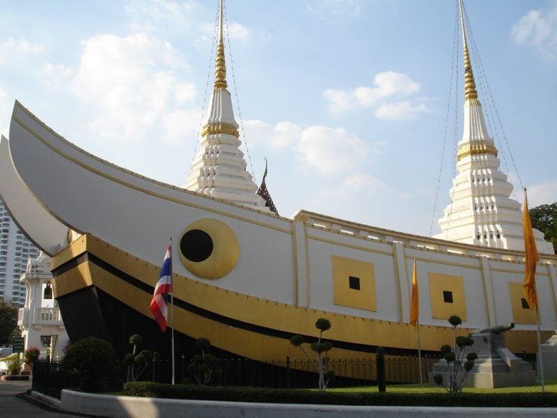معبد قایقی در تایلند