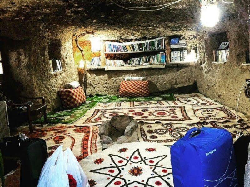 اقامتگاه بوم گردی خونه سنگی میمند اقامتگاه بوم گردی خونه سنگی میمند