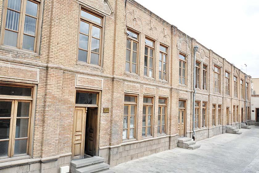 مدرسه رشدیه  جاهای دیدنی تبریز (معرفی 100 جاذبه با عکس)