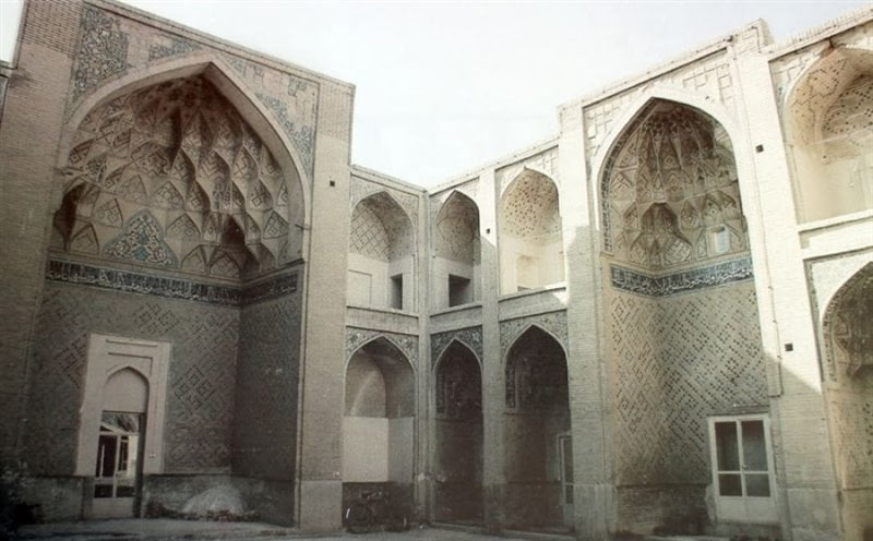 مدرسه امامی جاهای دیدنی اصفهان (100 جاذبه گردشگری اصفهان)