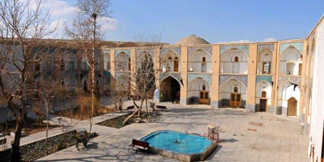 مدرسه ملا عبدالله جاهای دیدنی اصفهان (100 جاذبه گردشگری اصفهان)