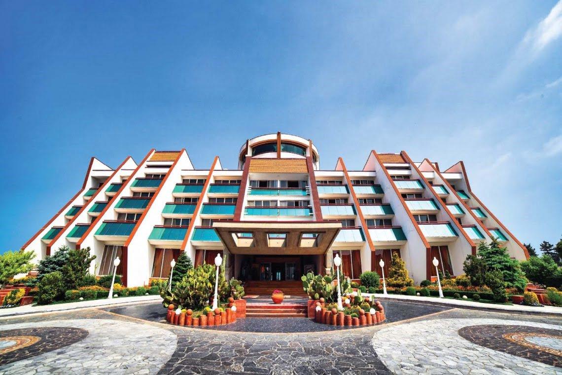 هتل نارنجستان محمود آباد هتل های عجیب و غریب ایران