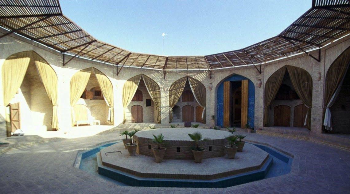 کاروانسرای زینالدّین یزد هتل های عجیب و غریب ایران