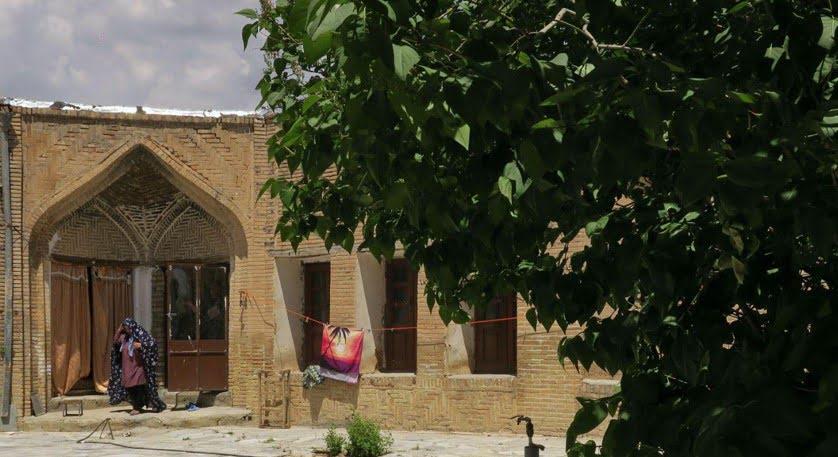 خانه تاریخی اشتری؛ قزل اتاق قاجاری خانه خاندان اشتری ، قزل اتاق قاجاری
