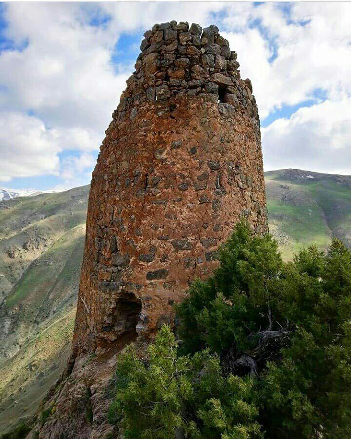 روستای بردوک و قلعه ی تاریخی آن