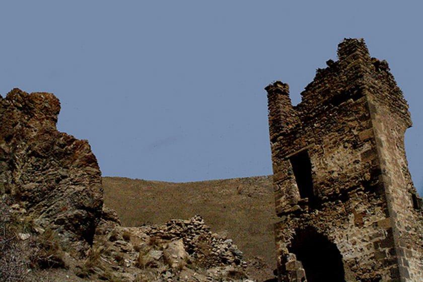 روستای بردوک و قلعه ی تاریخی آن روستای بردوک و قلعه ی تاریخی آن