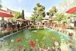 کافه فیل شیراز در دل بازار وکیل شیراز