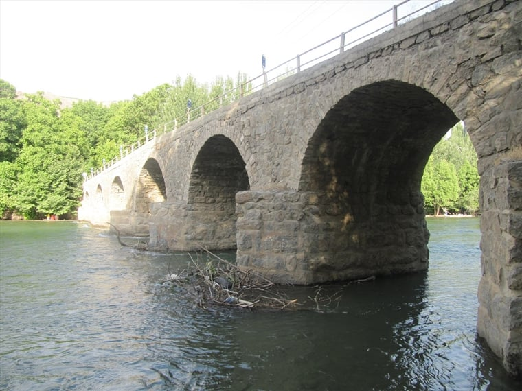 پل سنگی هوره پل سنگی هوره