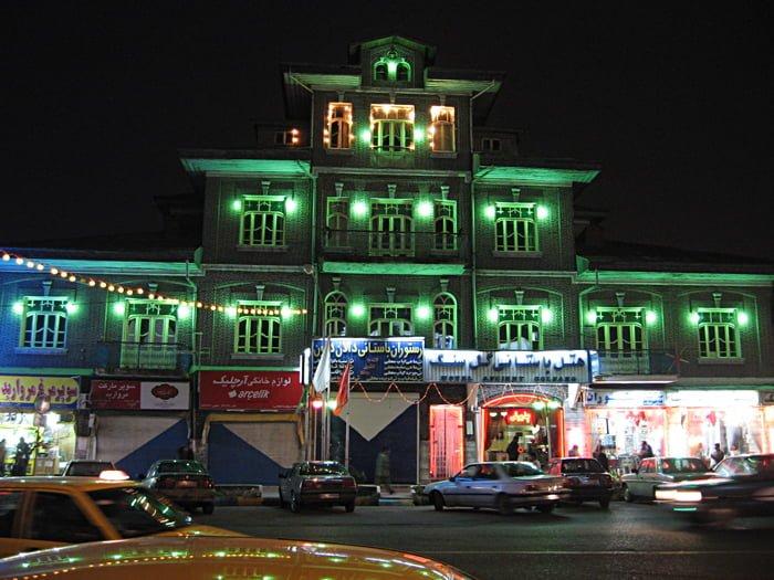 خانه داوودزاده بندر انزلی خانه داوودزاده بندر انزلی ، هتل سنگ امروز