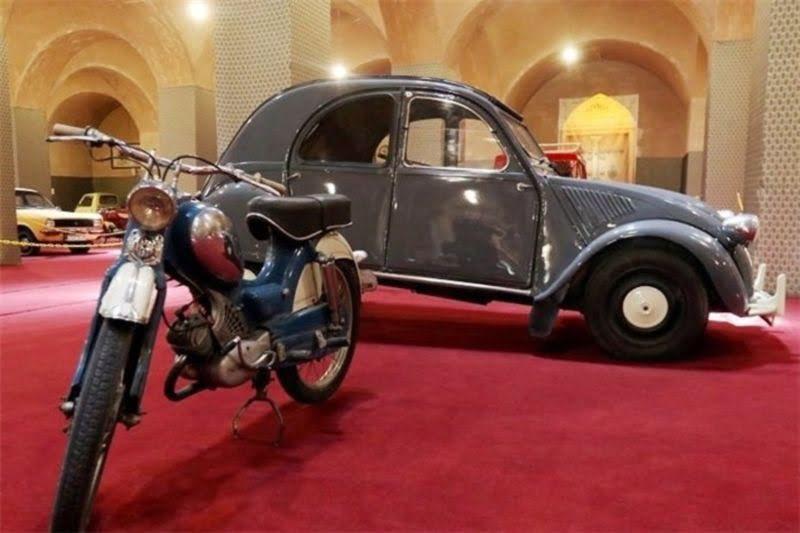 موزه دائمی خودروهای تاریخی و دست ساز یزد موزه دائمی خودروهای تاریخی و دست ساز یزد