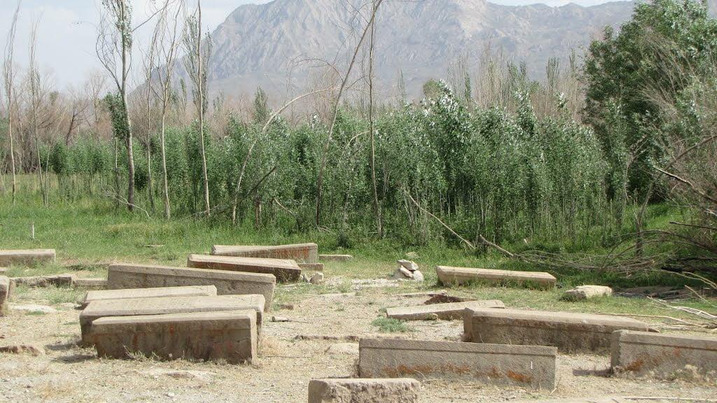 گورستان ارامنه  روستای سیرک شهرکرد