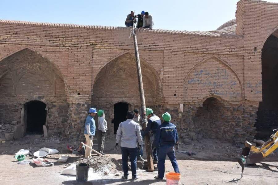 اردکان  مشارکت دوستداران میراث فرهنگی در مرمت آثار اردکان