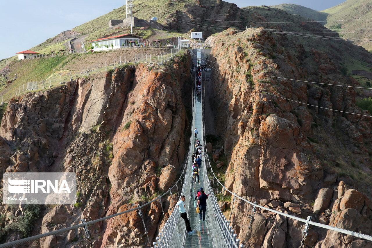 پل شیشه ای هیر پل شیشه ای هیر ، اولین پل شیشه ای قوسی جهان