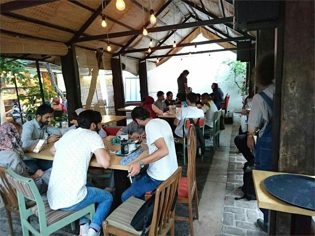 کافه رومی تهران کافه رومی تهران