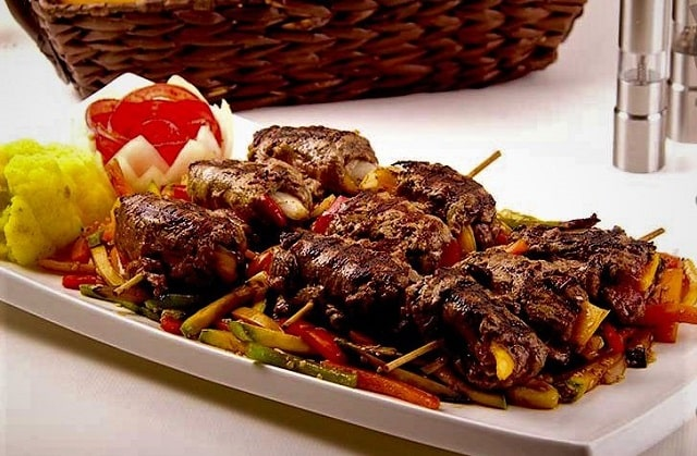 رولت کباب ساده با گوشت فیله در تابه