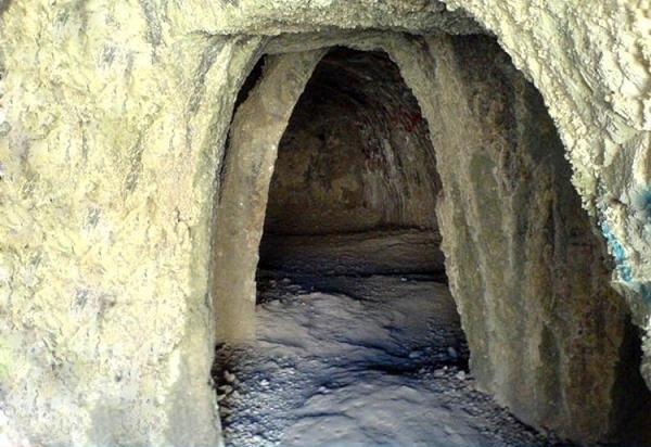 غار گلستان
