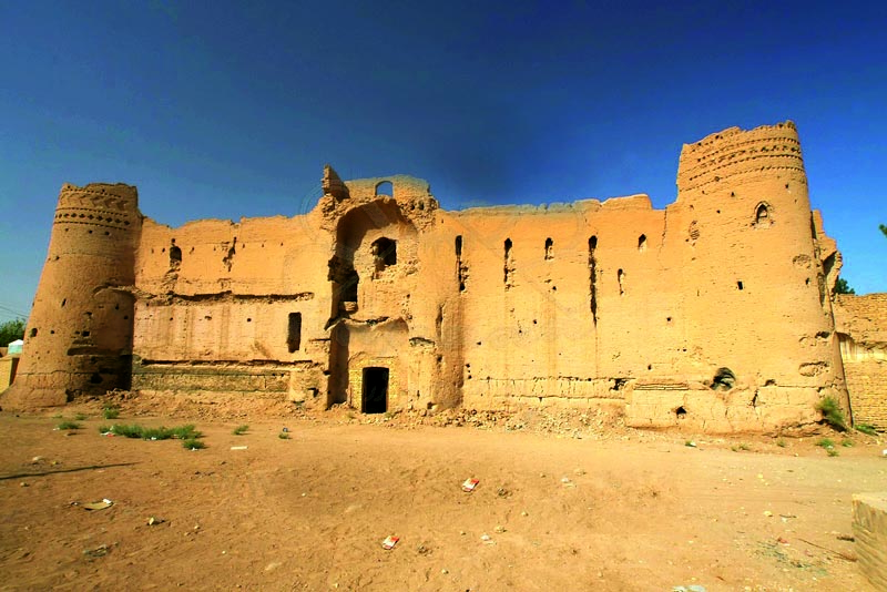 قلعه خاکی فهرج