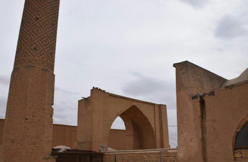مسجد و مناره سین
